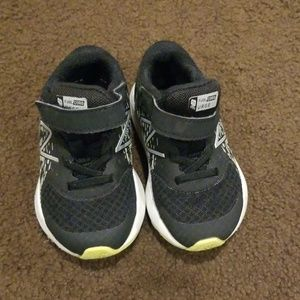 New balance baby boy sneakers size 6